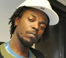 """Photo of """"KWAW KESE USED TO CLEAN MY SHOES"""" – POPULAR RADIO PRESENTER"""