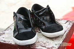 Photo of KOK'S WASHING TIPS: How to Wash Shoes