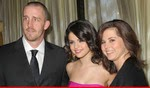 Photo of Selena Gomez Fires Mom & Dad I'm Beyond Your Control