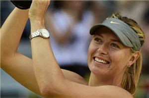 Photo of Sharapova fights back to win title