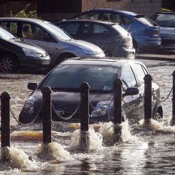 Photo of Flooding Fears As Heavy Rainfall Sweeps Into UK