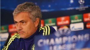 Photo of Jose Mourinho: Don't ask me to speak about Roberto Di Matteo