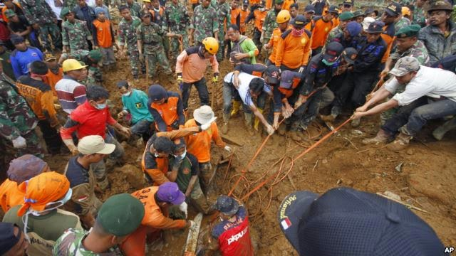 Photo of Indonesia Landslide Death Toll Rises to 51