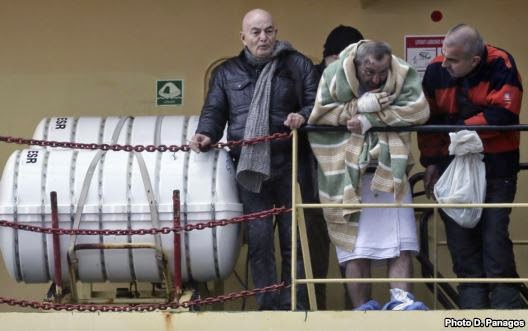 Photo of Italy Officials: 8 Dead as Ferry Rescue Ends