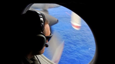 Photo of MH370 shot down by US, says former airline CEO