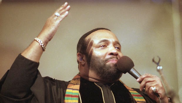 Photo of Gospel music legend Andrae Crouch dies at 72