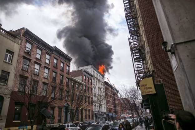 Photo of New York buildings collapse in possible gas blast, 19 hurt