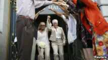Photo of Rush of Same-Sex Marriages Follows US Supreme Court Ruling
