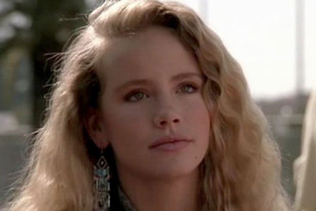 Photo of American Actress Amanda Peterson Dies At Age 43 Over Accidental Drug Overdose