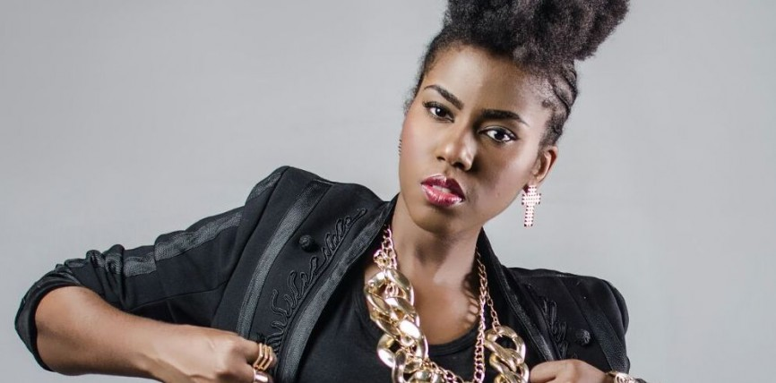 Photo of MzVee Says She Is Dating Four Solid Guys