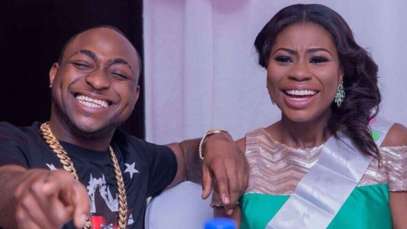 Photo of Has Davido Smoked The Peace Pipe With His Baby Mama?