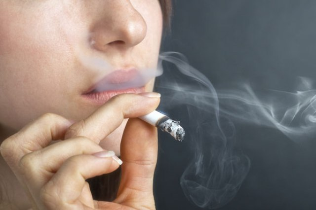 Photo of Smoking may shorten lifespan of HIV patients more than the virus itself