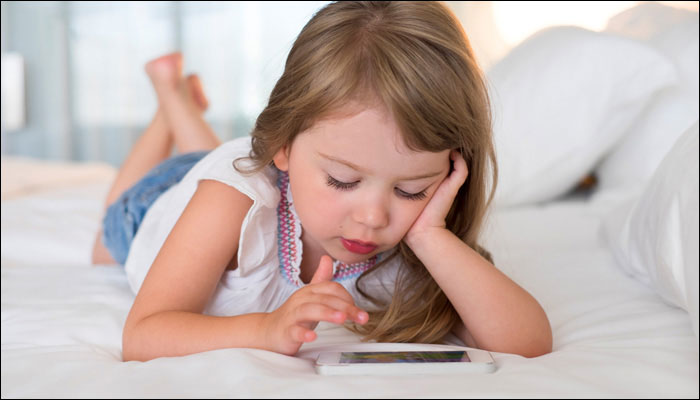 Photo of Children at risk of developing diabetes if they spend more than three hours in front of a screen!