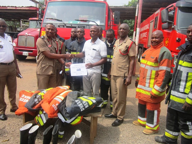 Photo of NGO Donates To Sunyani Fire Service