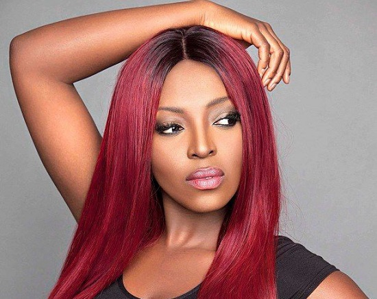 Photo of Yvonne Okoro Donates $2,600 To Yikurugu D/A School Following Reports That They Lack Desks