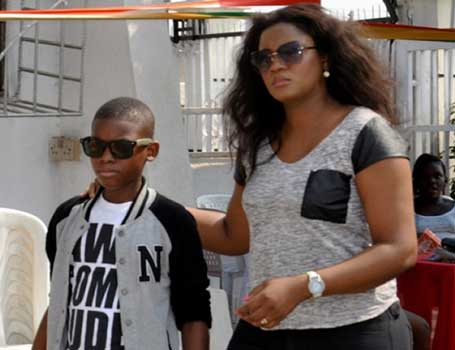 Photo of Omotola's Son Leaves A Note For Her And It Is Funny!