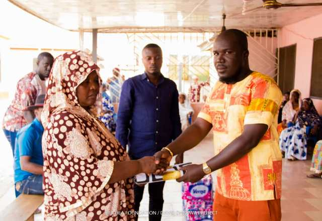 Photo of Bra Dea Foundation/Danq Investment Limited Donates To Aged Women In Sunyani Zongo