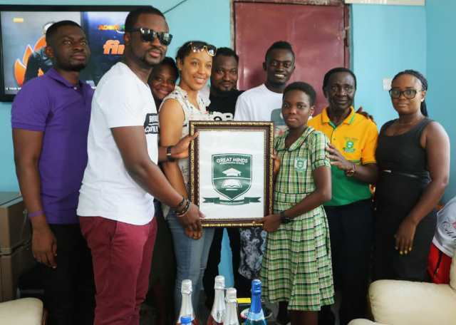 Photo of IYes Foundation Donates To Lil Win's GMIS