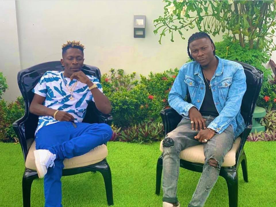 Photo of Shatta Wale And Stonebwoy Smokes Peace Pipe After VGMA Fracas