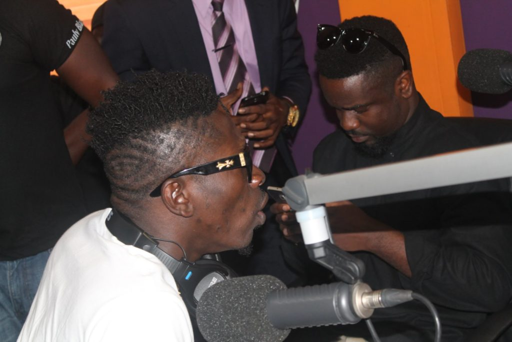 Photo of Sarkodie Reveals The Last Time He Communicated With Shatta Wale