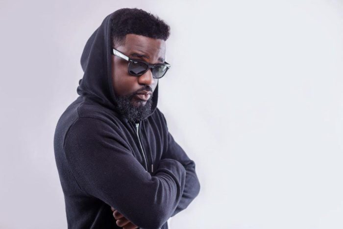 Photo of Sarkodie Shares A Photo Of His New Baby On Father's Day – Check Out The Photo