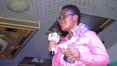 Photo of Ohemaa Vickey Wins Hiplife Artiste Of The Year At The Maiden NKZ Music Awards