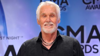 Photo of Country Music Star, Kenny Rogers Passes On