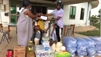 Photo of Budding Rapper, Cafi Doma Donates To World Of Friends Orphanage In Berekum