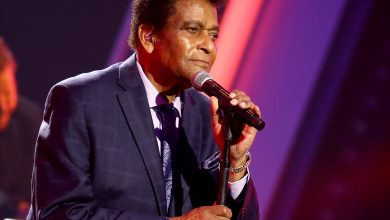 Photo of Country Music Star, Charley Pride Passes On Following COVID-19 Complications