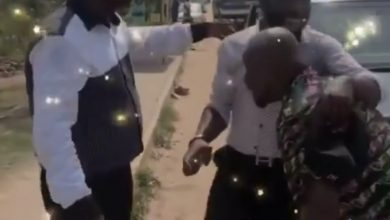 Photo of Funny Face Chases Big Akwes On The Roadside; Akrobeto Reacts To Their Actions (Watch Funny Video)