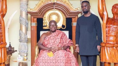Photo of Sarkodie Visits Otumfour At Manhyia Palace Ahead Of Release Party In Kumasi