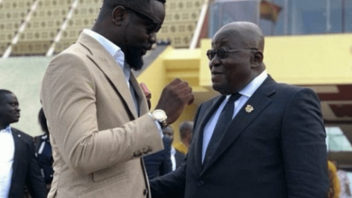 Photo of Sarkodie Apologizes To President Akufo-Addo After He Told Him Not To Use His 'Happy Day' Song To Score A Political Point