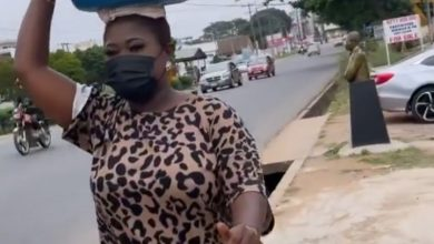 Photo of Watch How Sista Afia Is Putting Smiles On The Face Of Others On The Street